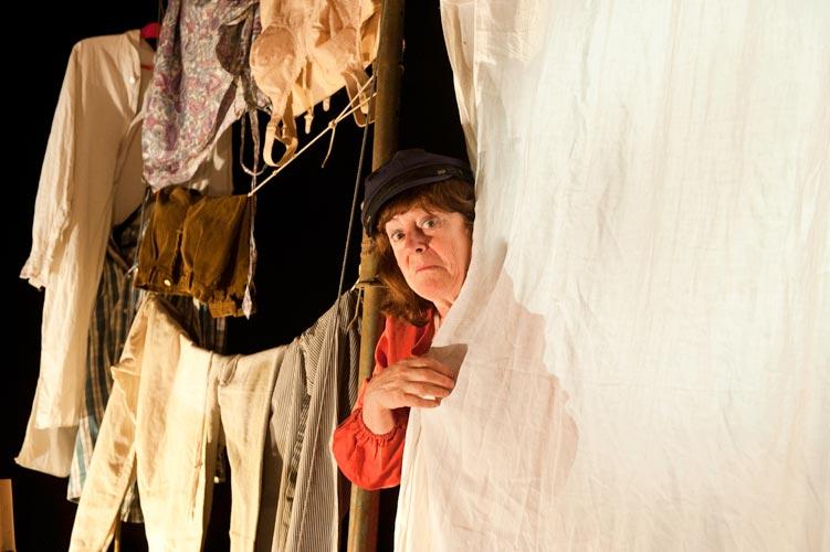 Article: Photos du spectacle 'Le souffle d'Etty'